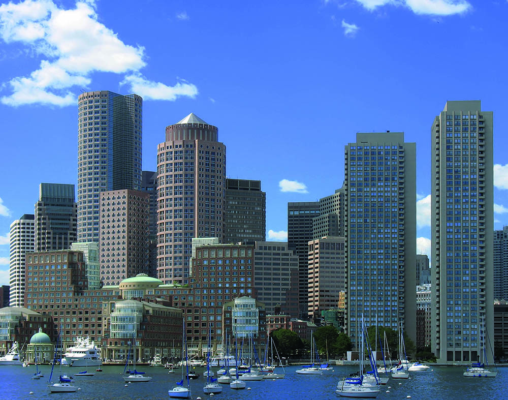 <span>Vista, desde el mar, del Boston Harbour.</span></p>