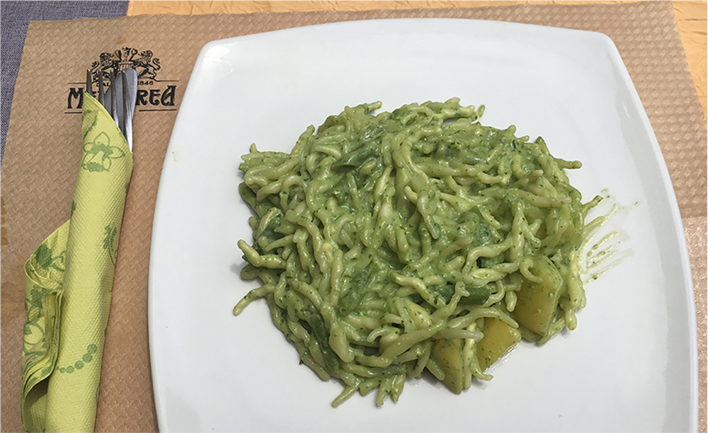 <span>La especialidad local es el pesto genovés, el oro verde.</span></p>